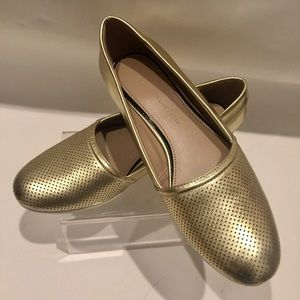 H by Halston Gold Leah Flats